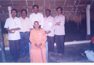 getting-blessing-from-his-holiness-president-of-ramakrishna-math-mylapore-2006